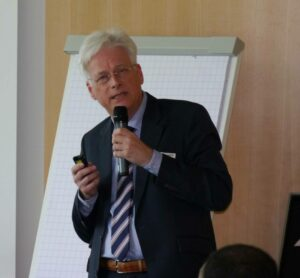 Referent Walter Schmitz